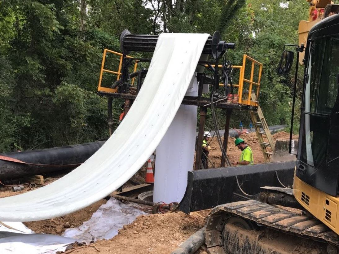 The project involved a Sanitary Sewer Evaluation Study on 214,000 linear feet of pipe to identify areas where I&I was occurring. Approximately 29,000 linear feet of sewer and service pipeline were rehabilitated as a result of the study. (Photo Courtesy of Chattanooga Department of Public Works)
