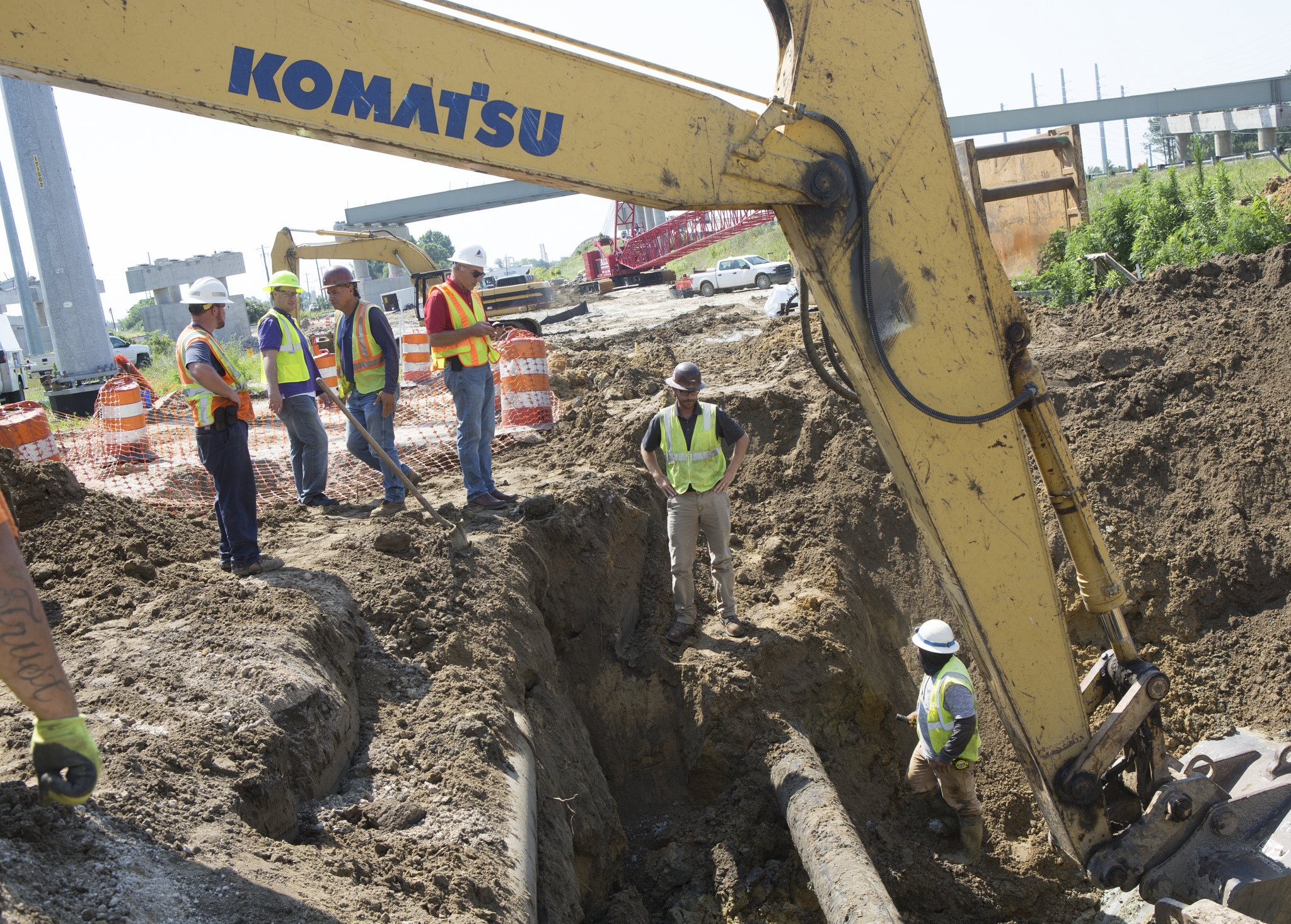 Work being done to replace a 24-inch water line on a capital improvement project. (Photo By Ken Osburn)